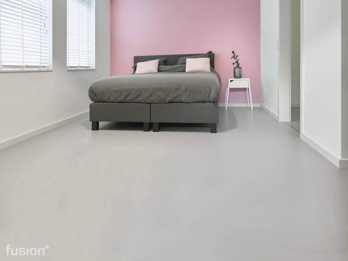Een gietvloer in de woonkamer badkamer en of slaapkamer fusion